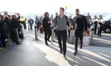 LONDON, ENGLAND - NOVEMBER 02: Richie McCaw, captain of Rugby World Cup winners, the New Zealand All Blacks arrives with team mates at Heathrow Airport at the start of their journey back to New Zealand on November 2, 2015 in London, United Kingdom. (Photo by David Rogers/Getty Images for England 2015)